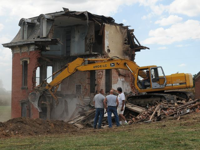 Mudhouse Mansion demolished