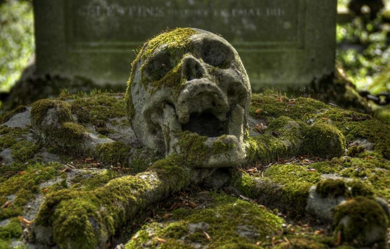 Maud's grave