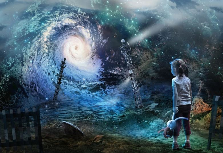 Experiencing The Phenomenon of Parallel Universes